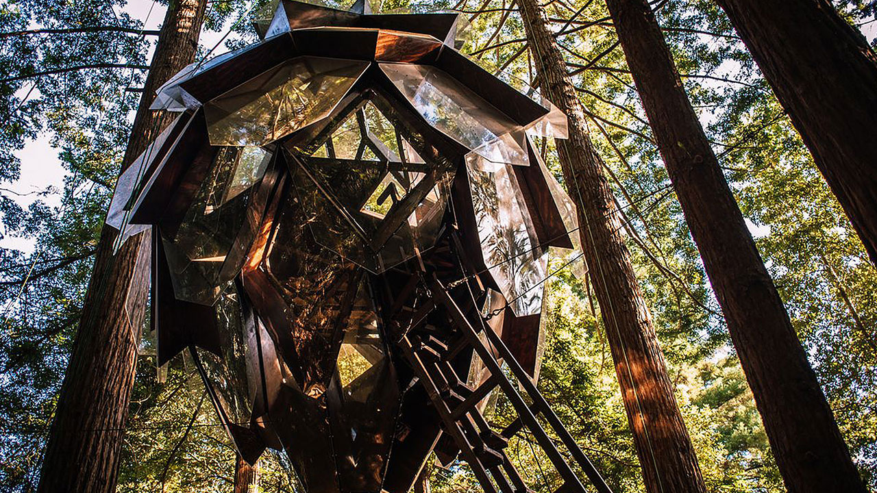 Live amongst the foliage with the Pinecone Treehouse