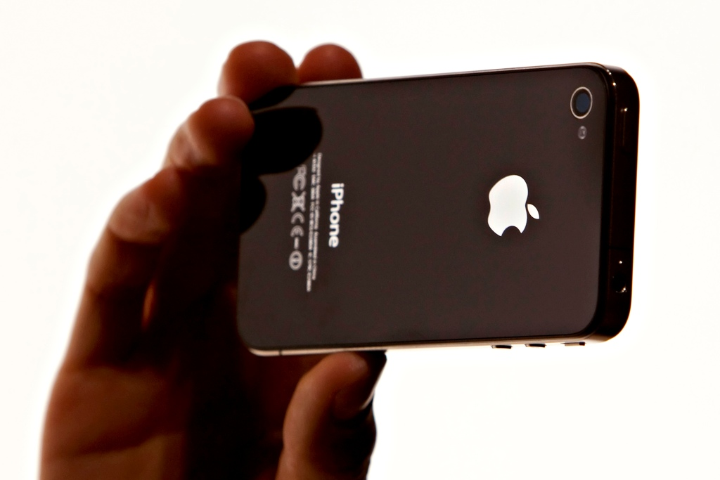 The iPhone 4 design could be reintroduced by Apple in 2020