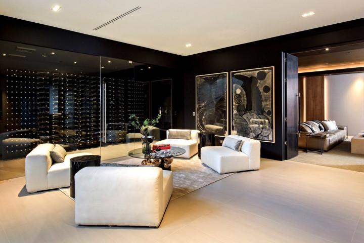 Travis Scott mansion