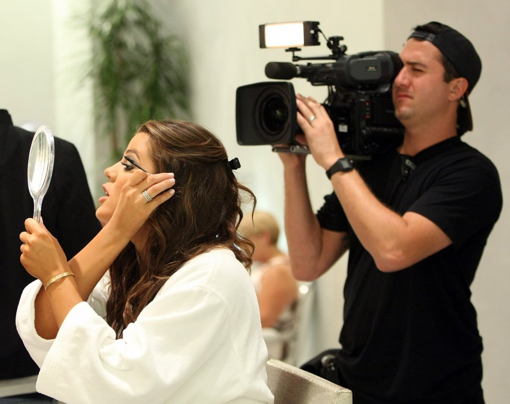 """""""Keeping Up With The Kardashians"""" Films At Caesars"""