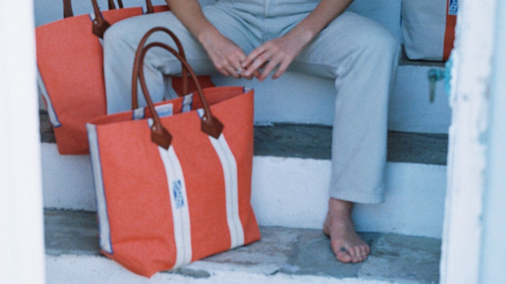 Utility tote by Haulier International